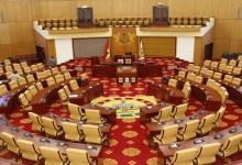 Parliament suspends Public Universities Bill
