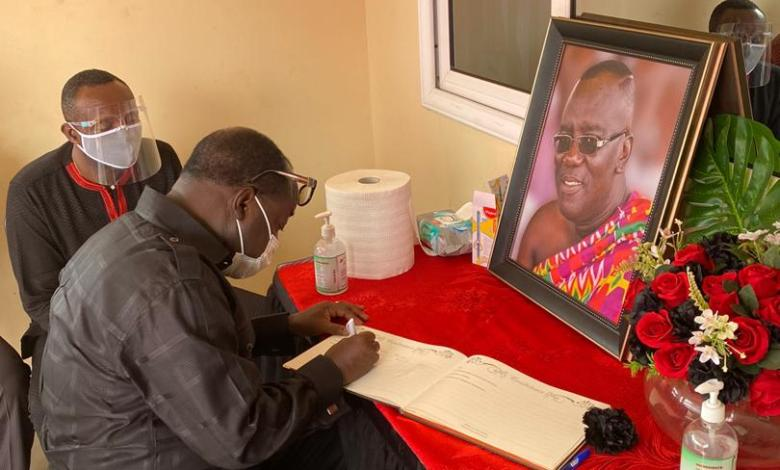 NPP executives mourn with the family of Sir John
