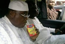 Election 2016: Candidate Akufo-Addo takes a sip of Kalyppo juice