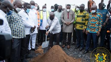 Photo of Akufo-Addo cuts sod for 40-bed hospital in Kpone and 400-bed Tema Regional Hospital