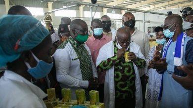 President Akufo-Addo samples Eku Juice