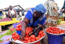 Tomato traders to get police escort