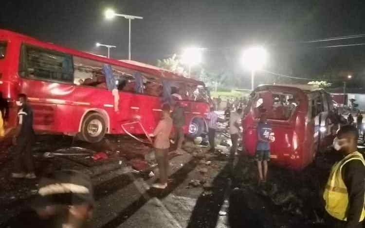 Road crash at Akyem Safo