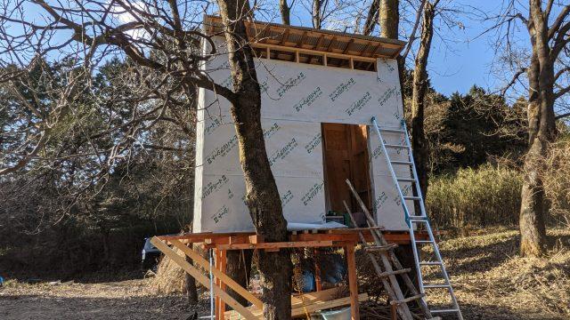 ツリーハウスの作り方 上物編 vol.5 壁に防水シートを貼る