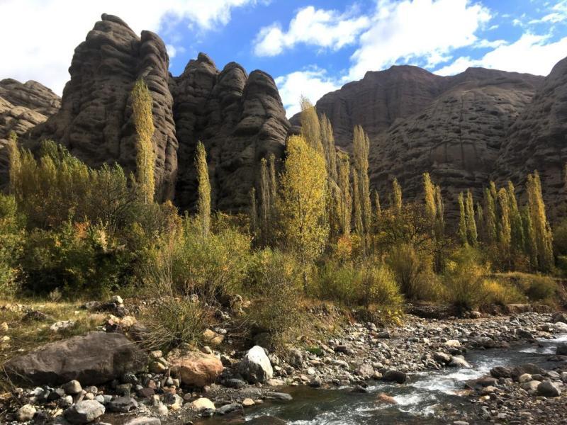 Alamut: Formaciones rocosas