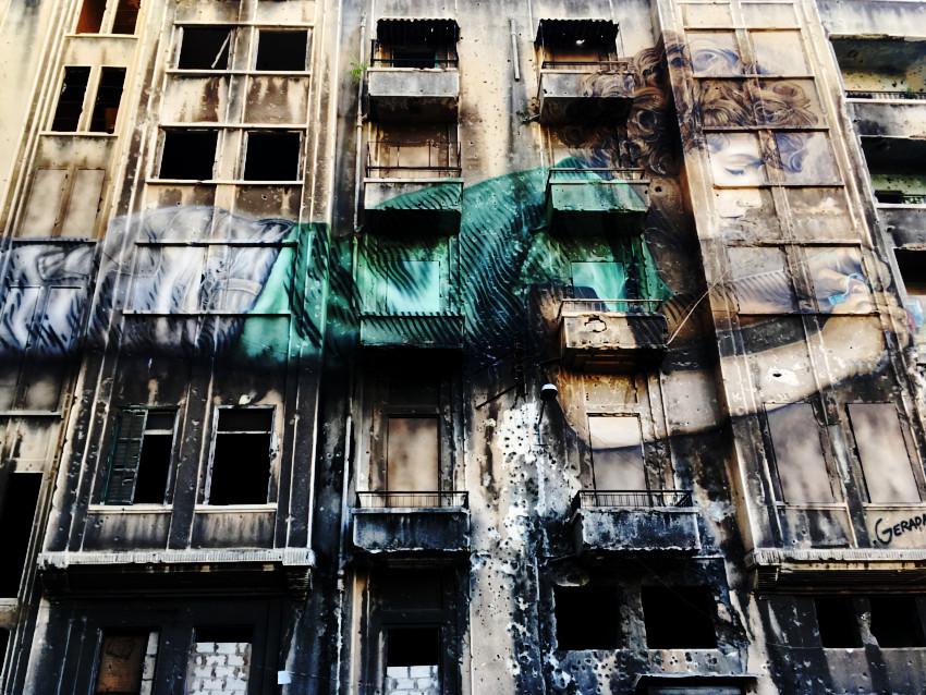 Graffiti en un edificio de Beirut