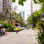 バンコク・ホテル前の通り