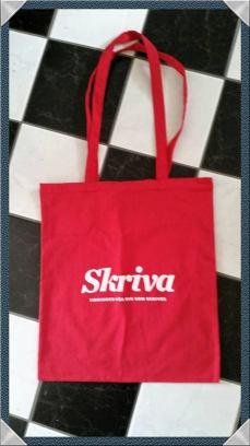 Tidningen Skrivas kasse var snygg. Jag lyckades få ett gratis ex trots att jag inte köpte någon tidning (är ju prenumerant sedan första numret)