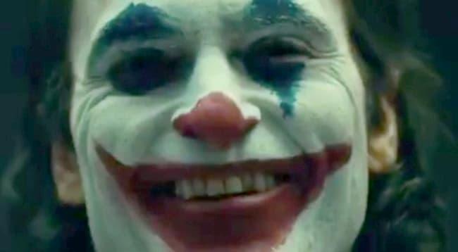 Joaquin Phoenix kills in official 'Joker' trailer