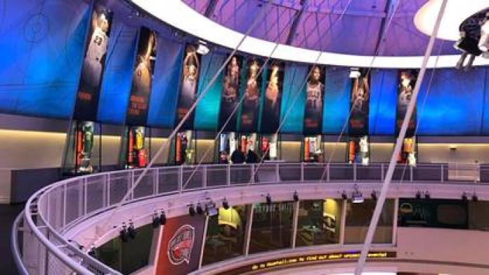 A postcard from the United States Hall of Fame (@hoophall)