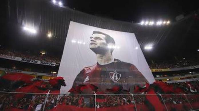 A giant poster with the image of the Mexican soccer player Rafael Márquez at the Jalisco stadium, during his farewell match in 2018 (Photo: EFE)
