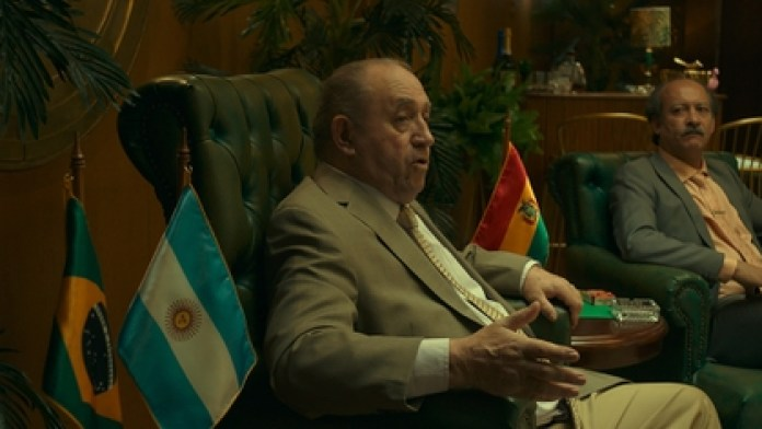 This is what Julio Humberto Grondona, played by Luis Margani, looks like