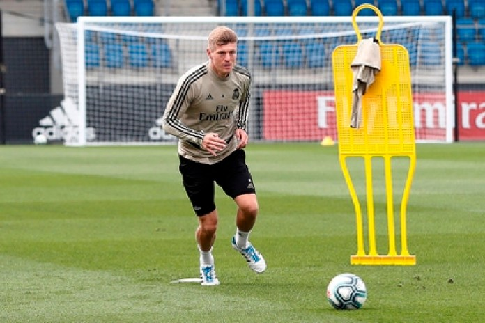 German midfielder Toni Kroos prepares to return to activity with Real Madrid in the midst of the pandemic (EFE)