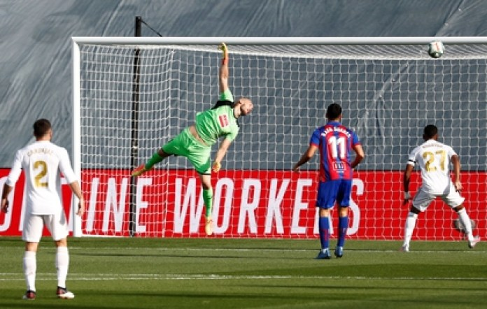 Dmitrovic flies but can't stop Kroos' goal (Reuters)