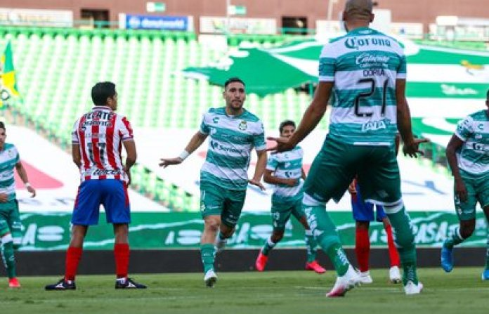 Santos beat Chivas de Guadalajara on Matchday 2 (Photo: Courtesy / JAM MEDIA / Club Santos)