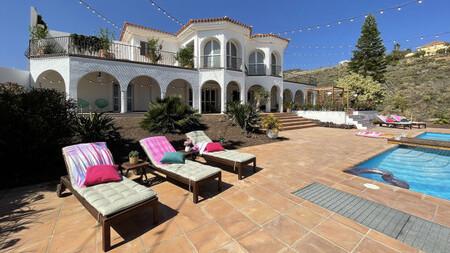 Villa Love Island