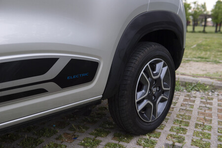 Dacia Spring 074