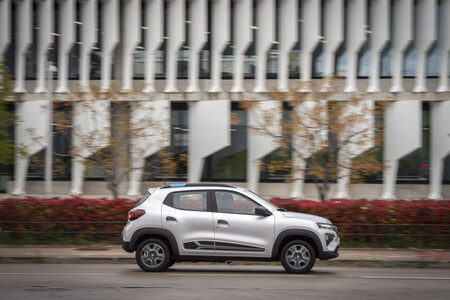 Dacia Spring 029