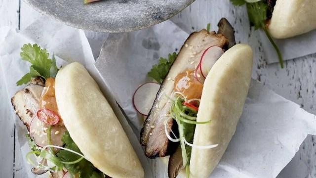 Bao con panceta de cerdo y mayonesa hoisin