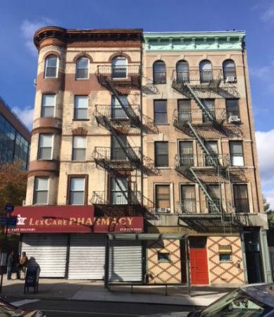 Photograph of 1572 Lexington Avenue building.