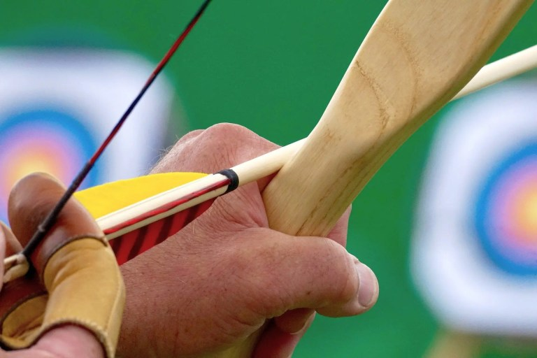 How to Shoot a Bow & Arrow – The Complete Guide