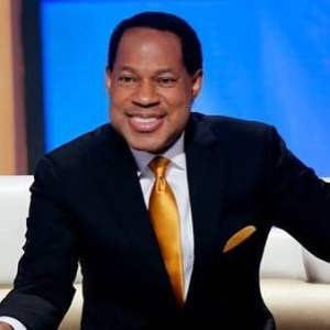 (Video) Pastor Chris Oyakhilome claims FG locked down Lagos and Abuja so they can install 5G network