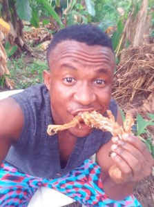 Hungry Nigerian man makes stew with Frog meat (photos) 12