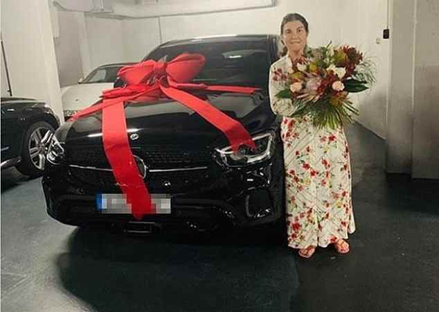 Cristiano Ronaldo buys his mother a brand new Mercedes to celebrate her on Portuguese Mother's Day (photo)