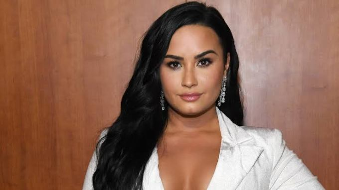 Demi Lovato Biography Facts