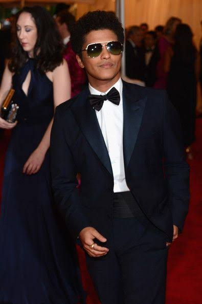Height of Bruno Mars