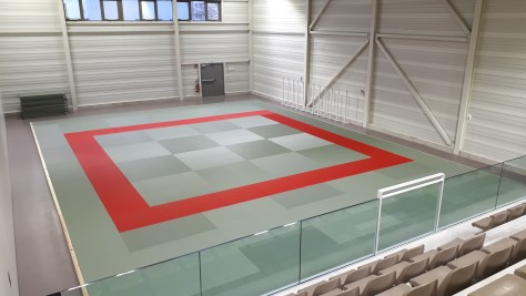 Vue globale sur la salle 200m2 de tapis