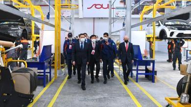 صورة رئيس وزراء كازاخستان يدشن إنتاج سيارات كيا في كوستاناي..