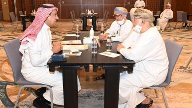صورة لقاءات ثنائية بين رجال الأعمال العمانيين ونظرائهم السعوديين…