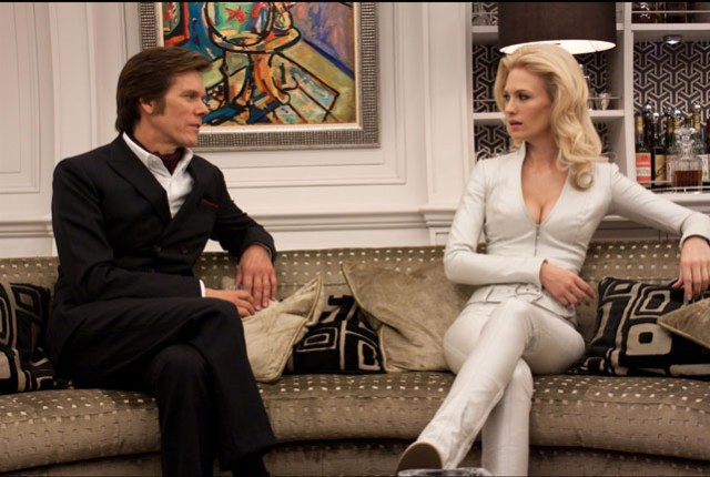 Sebastian Shaw (Kevin Bacon) y Emma Frost (January Jones)