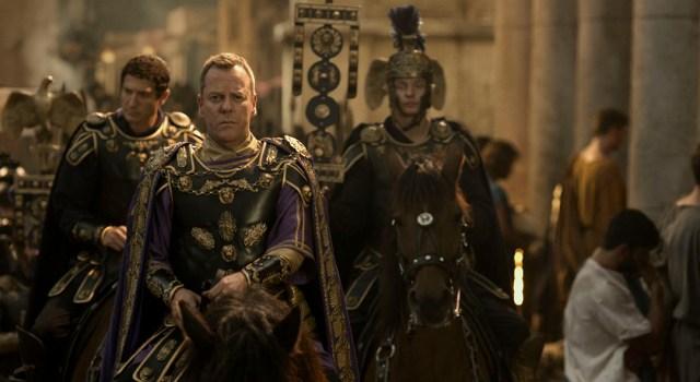 el pueblo de Pompeya le da la espalda a Corvus (Kiefer Sutherland)