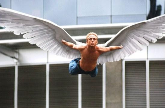 Angel (Ben Foster) ejemplificando la libertad.