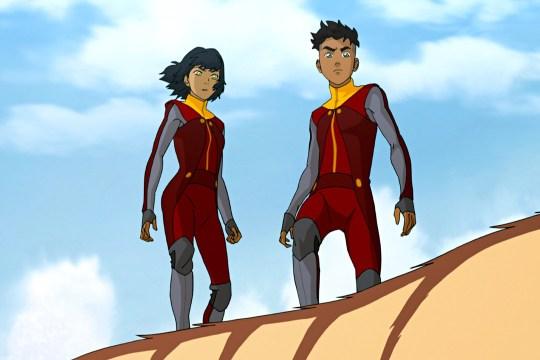 Kai y Opal sacando la cara por las fuerzas especiales de Tenzin.