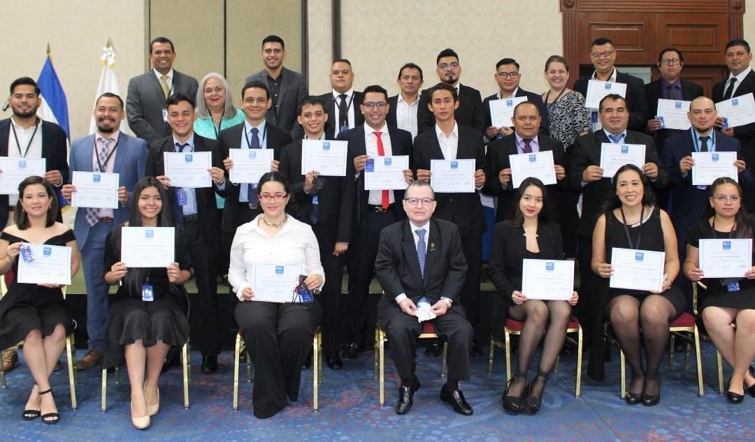 Graduación del VIII, IX y X Diplomado y Certificación Para Locutores De Radio Y Televisión