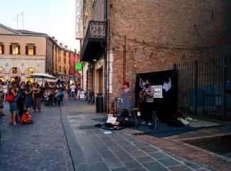piazza-trieste-e-trento-ferrara-buskers-festival