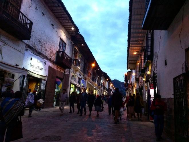 Ruas de Cusco à noite