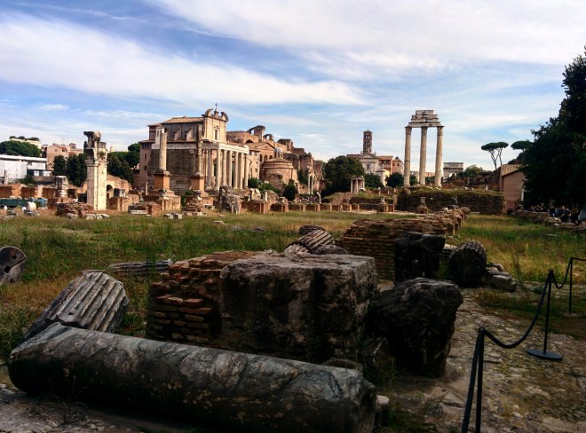 Templo de Antonino Pio e Templo dos Dioscuros