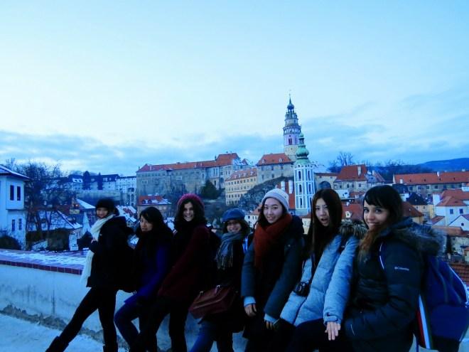 Trabalho voluntário Praga edison fazendo amigos cesky krumlov