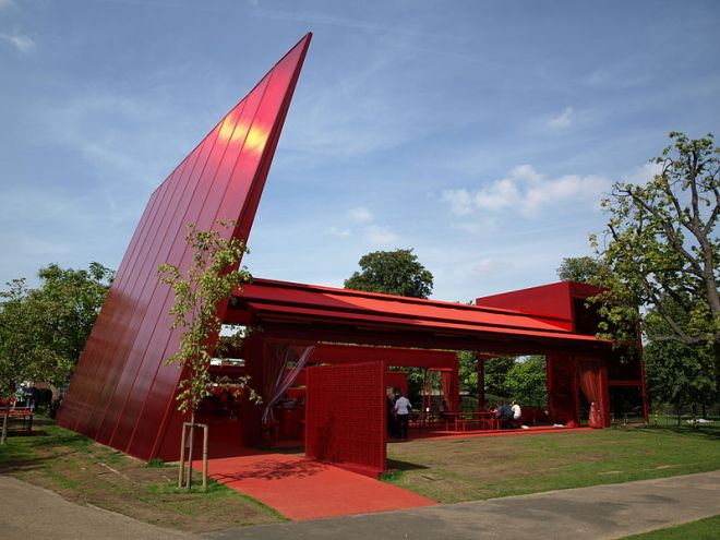 800px-SerpentineGalleryPavilion2010JeanNouvel