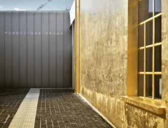 Fundação Prada Milão prédio dourado