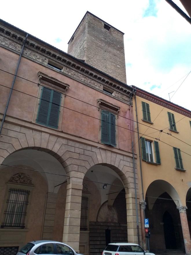 Bologna italia Torre degli Oseletti museu da musica