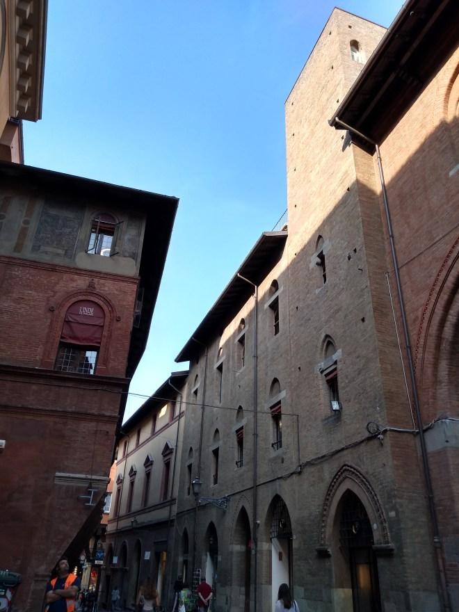Bologna torres medievais Torre dei Carrari