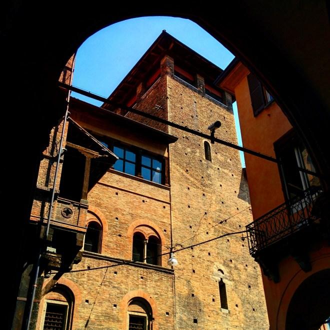 Torre degli Alberici Bologna 2