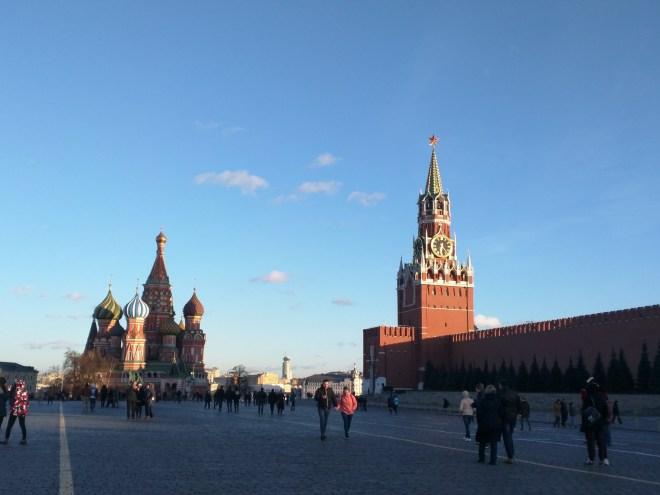 Catedral de São Basílio com Kremlin à direita praça vermelha moscou