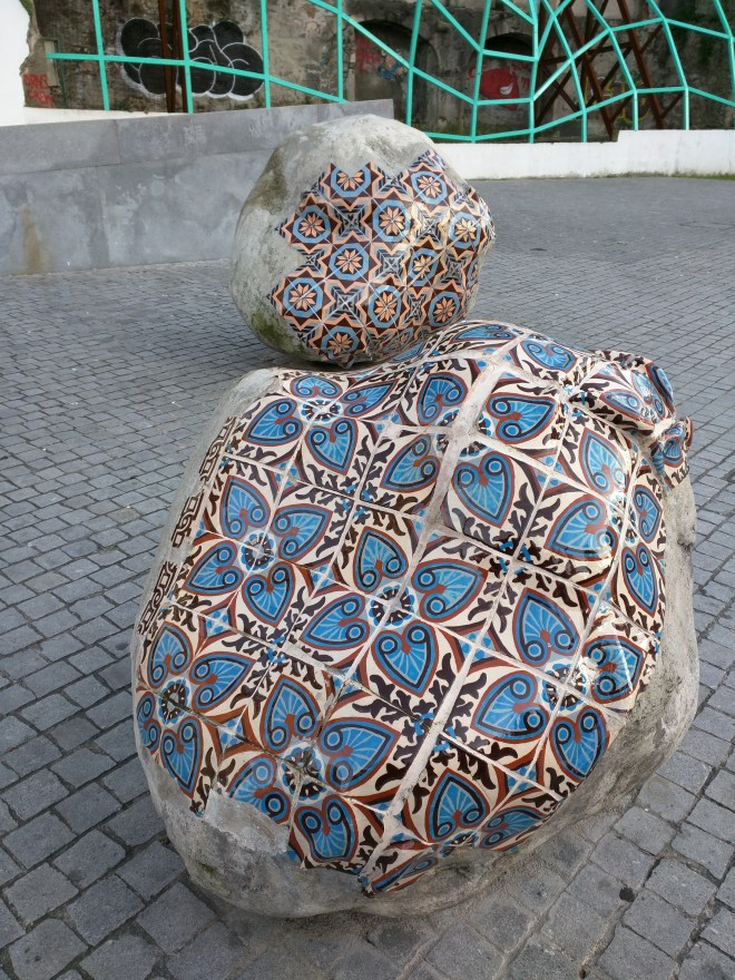 Portugal Porto até as pedras tem azulejos