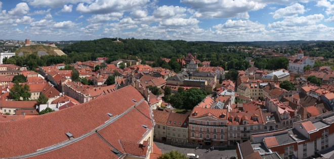Universidade de Vilnius Lituania vista centro historico torre sao joao 4